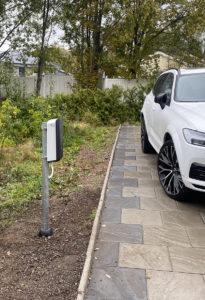 Laddstolpe för elbil